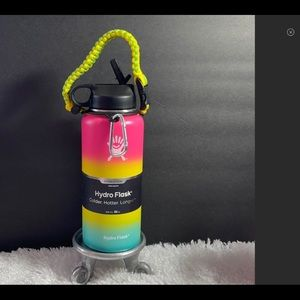 New Hydro Flask 32 ounce with flex lid & paracord